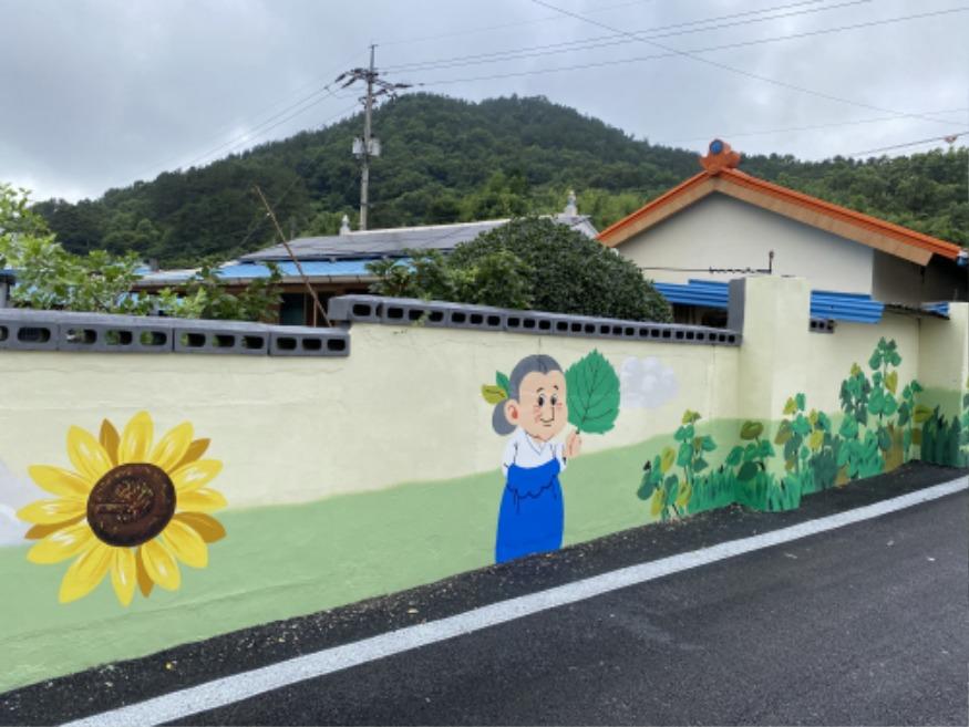 (30일) 한산면 지현2리, 마을 벽화로 산뜻하게 변신 (1).JPG
