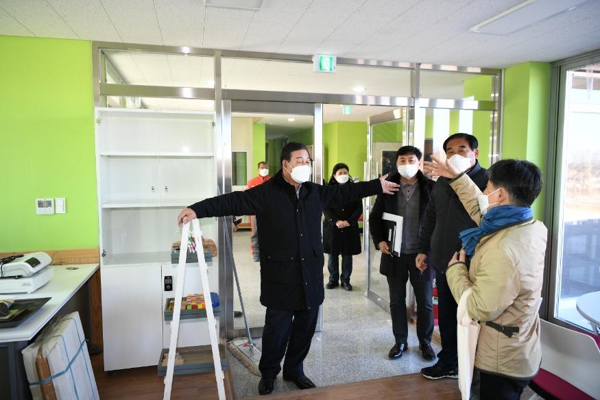 보도자료01_황선봉 군수 주요사업 현장 방문 모습03.jpg